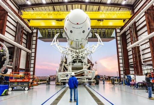 天龍號載人太空船首次載人的任務即將展開