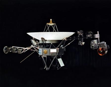 42年前今日航行者二號太空船發射升空